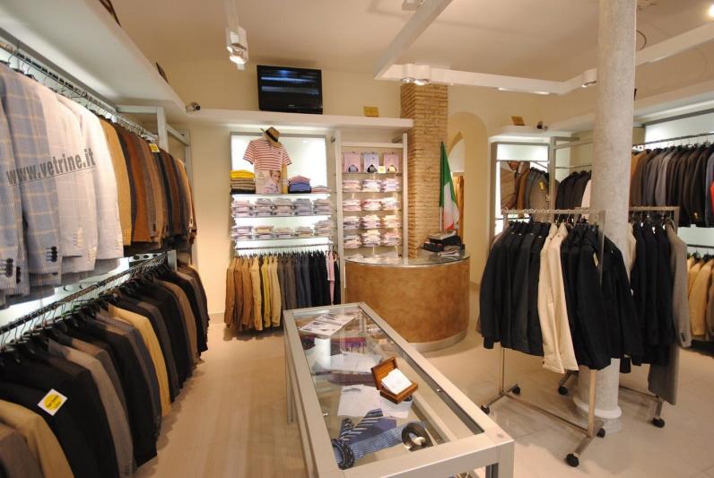Arredamento e attrezzature per negozi gsn centro for Outlet di mobili di design