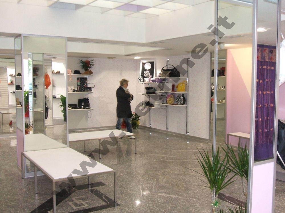 Arredo allestimenti foto realizzazioni gsn centro negozi for Centro arredo negozi
