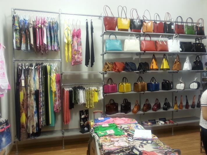 arredamento-e-attrezzature per negozi gsn centro vetrine.it - Arredamento Negozio Abbigliamento Fai Da Te